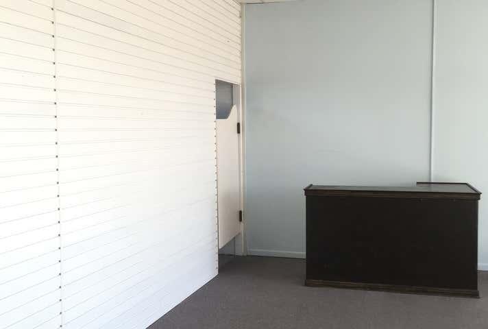 Rent solar panels at 5/54 Walker Street Walkervale, QLD 4670
