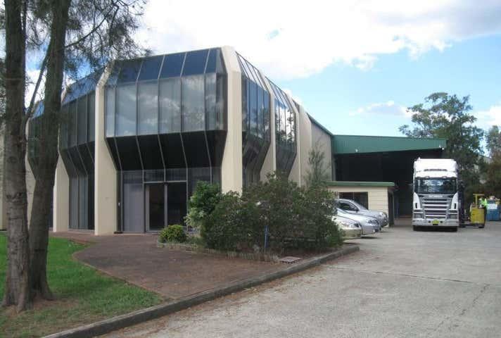 2 Tarlington Place Smithfield NSW 2164 - Image 1