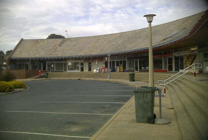 Torrens Shops, 8-10 Torrens Place Torrens ACT 2607 - Image 1