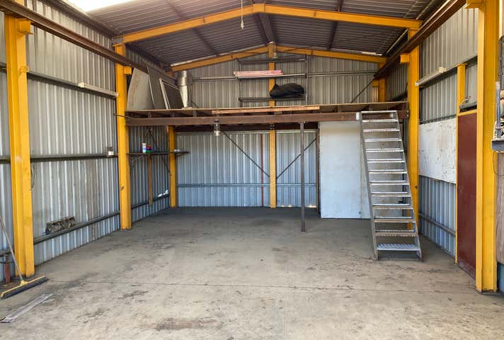 105 Foster Street Gracemere QLD 4702 - Image 1