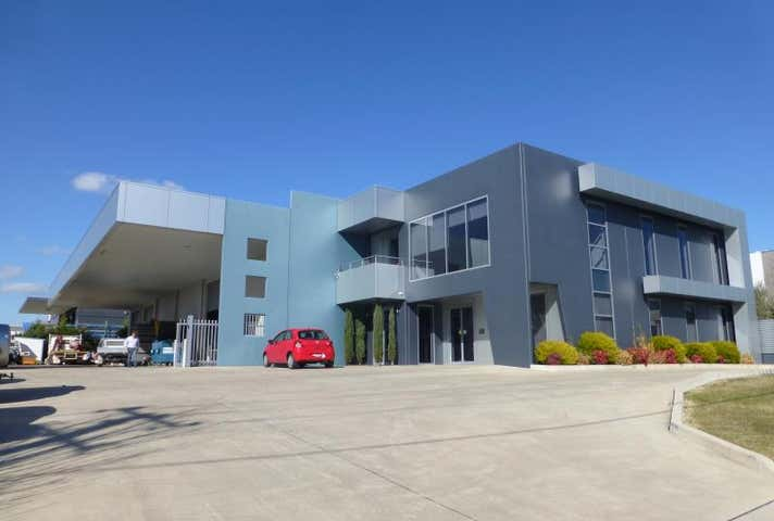 6 Irving Place Bathurst NSW 2795 - Image 1