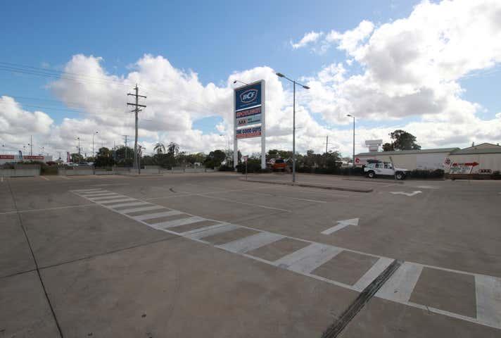 Rent solar panels at Shop 5, 2 Johanna Boulevard Kensington, QLD 4670