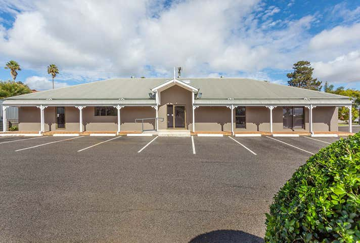 18 Hanna Court Kearneys Spring QLD 4350 - Image 1