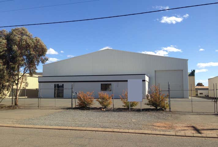 5 William Street West Kalgoorlie WA 6430 - Image 1
