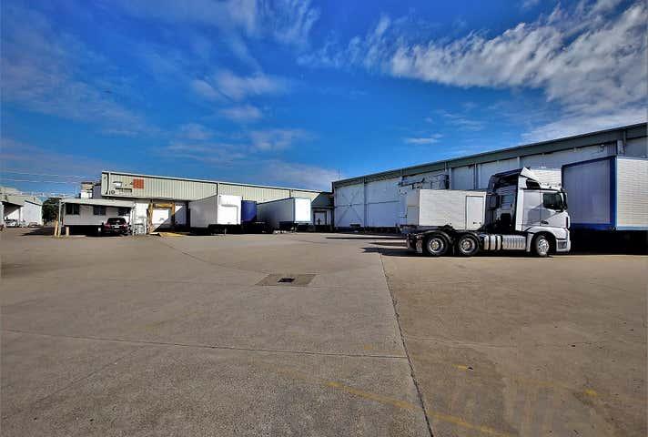 B4 /33 Queensport Road Murarrie QLD 4172 - Image 1