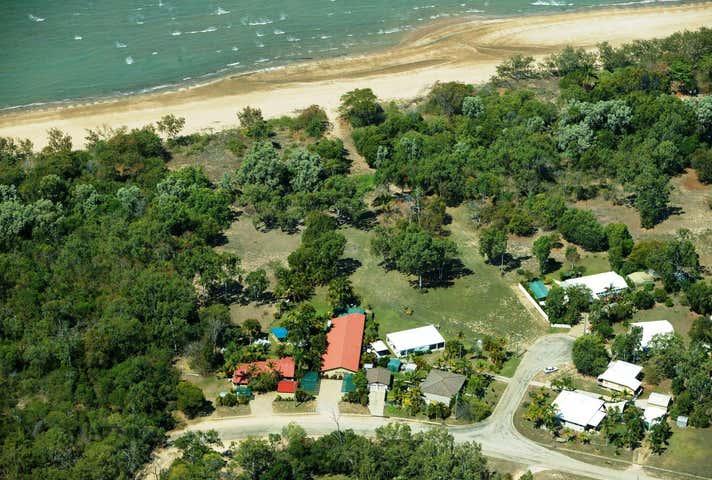 284 Ocean Pde Balgal Beach QLD 4816 - Image 1