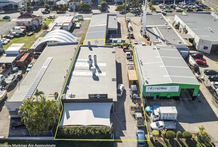 15 Thorne Street Wynnum QLD 4178 - Image 1