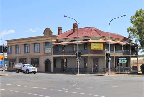 Settlers Inn, 633 Ruthven Street South Toowoomba QLD 4350 - Image 1