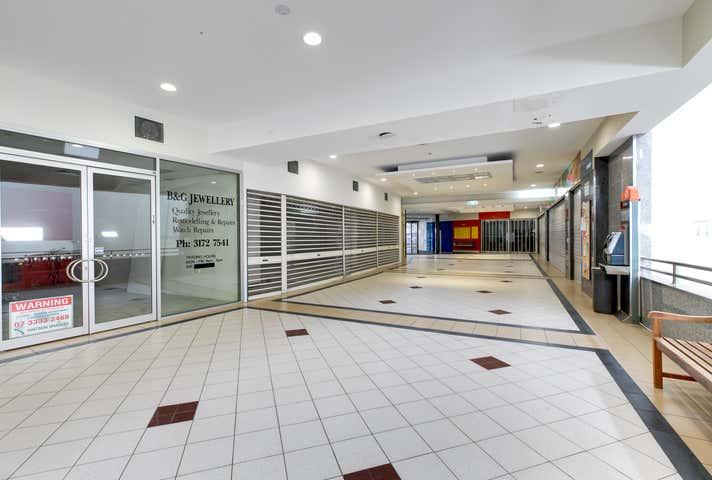 14/89 Bay Terrace Wynnum QLD 4178 - Image 1