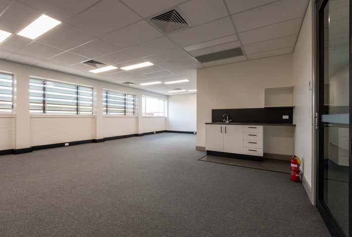 Rent solar panels at 3/6 Barolin Street Bundaberg Central, QLD 4670