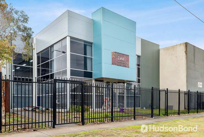 1/61 Wattle Road Maidstone VIC 3012 - Image 1