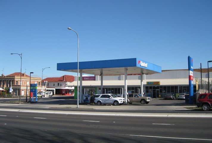 United Petroleum Bathurst, 35 William Street Bathurst NSW 2795 - Image 1
