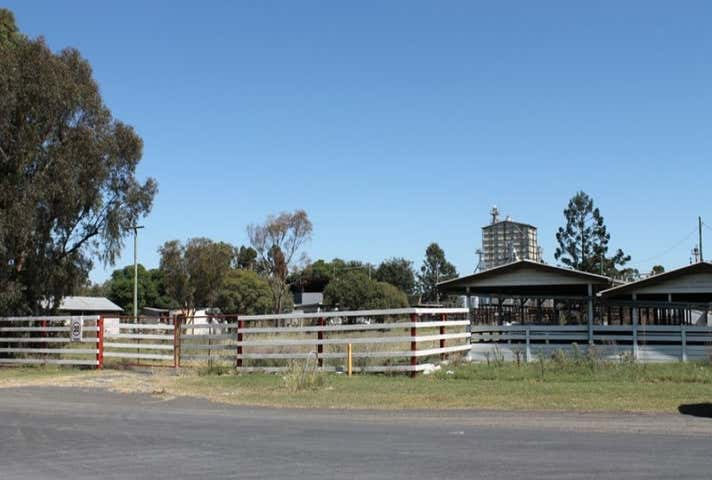 1 Queen Street Oakey QLD 4401 - Image 1