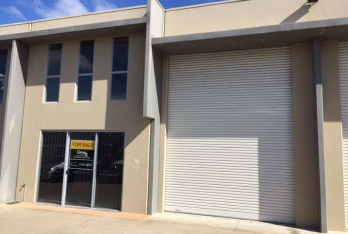 10 & 11/3 Southern Cross Circuit Urangan QLD 4655 - Image 1
