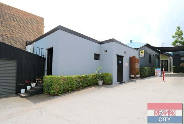 1/210 Days Road Grange QLD 4051 - Image 1