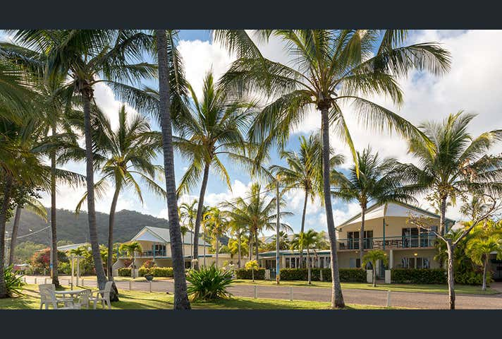 Horseshoe Bay QLD 4819 - Image 1