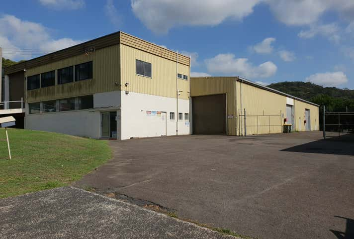 4 Carnarvon Road West Gosford NSW 2250 - Image 1