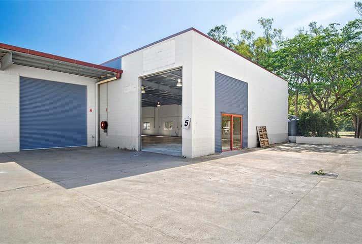 5/21 Carlo Drive Cannonvale QLD 4802 - Image 1