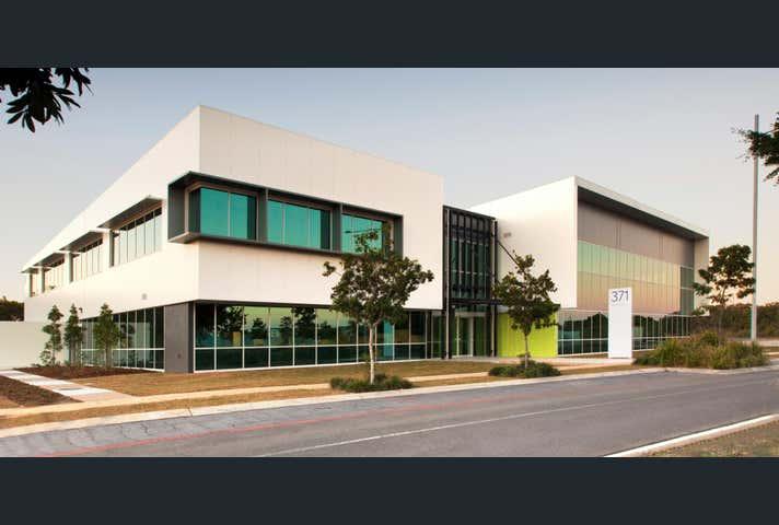 2.7, 371 Macarthur Avenue Hamilton QLD 4007 - Image 1