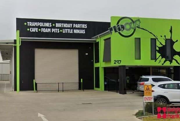 Unit 1, 297 Copland Street East Wagga Wagga NSW 2650 - Image 1