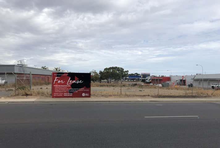 32 David Witton Drive Noarlunga Centre SA 5168 - Image 1