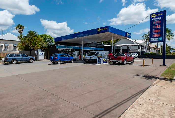 Metro Petroleum, 71 Ferry Street Maryborough QLD 4650 - Image 1