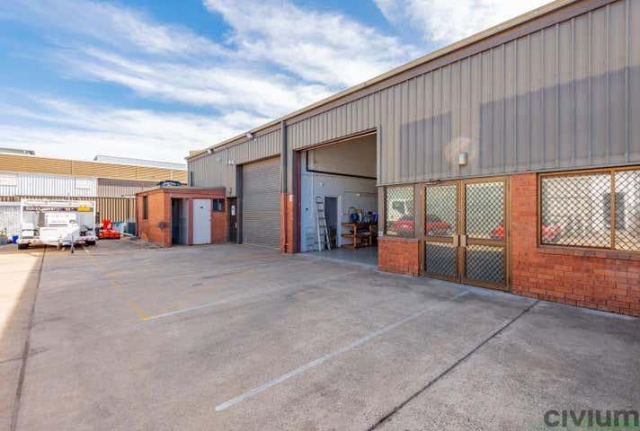 Unit  4, 54-56 Townsville Street, Fyshwick ACT 2609 - Image 1