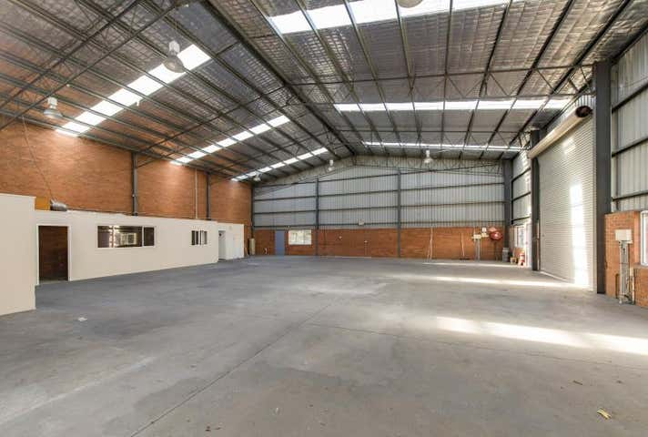 Unit 4 & 5, 26 Raws Crescent, Hume, ACT 2620