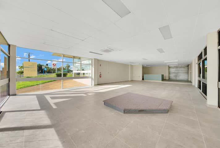 4/121 Toolooa Gladstone Central QLD 4680 - Image 1