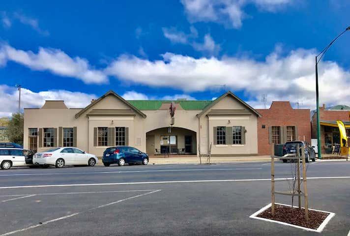 Wedderburn Hotel, 72 High Street Wedderburn VIC 3518 - Image 1