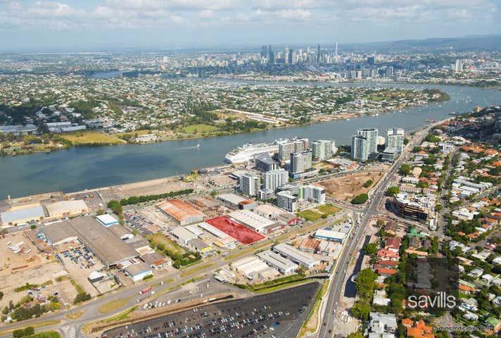 15 Curtin Avenue West Hamilton QLD 4007 - Image 1