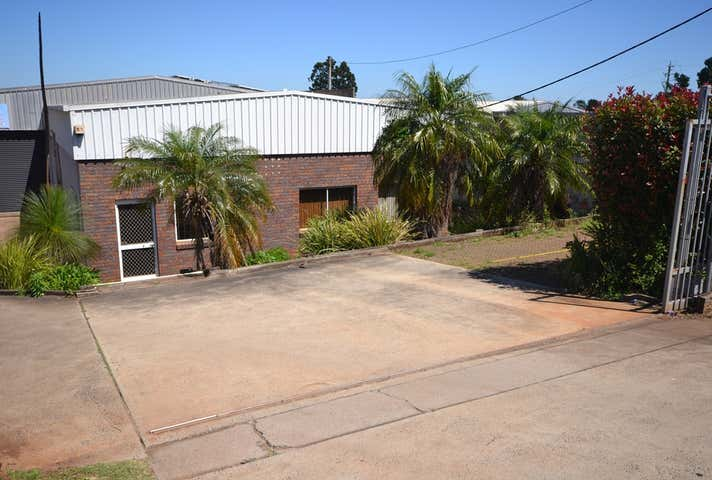 1 / 3 Progress Court Harlaxton QLD 4350 - Image 1