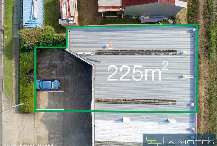 Unit 1 / 68  Andrew Street Wynnum QLD 4178 - Image 1
