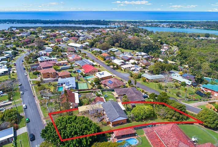 12 Oyster Point Road Banora Point NSW 2486 - Image 1