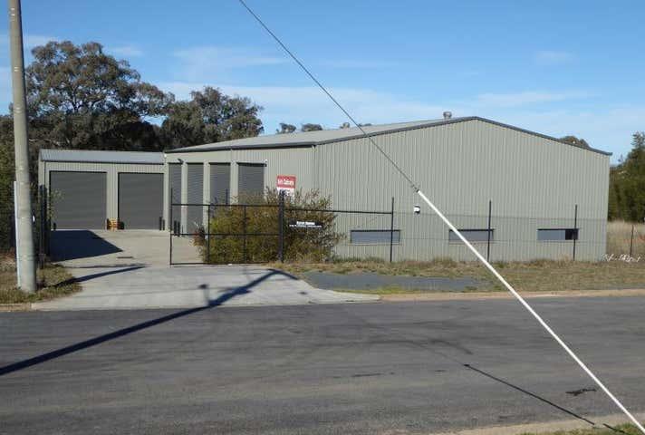 2/30 Annette Crescent Lavington NSW 2641 - Image 1
