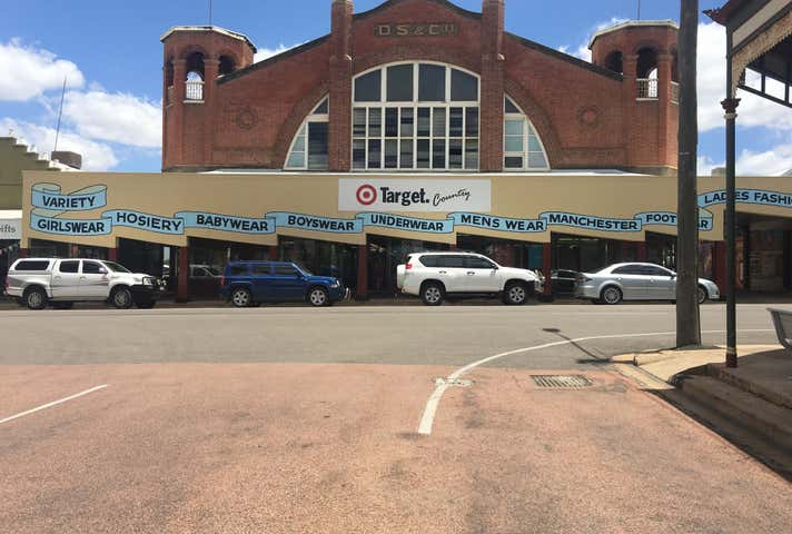 18 Gill Street, Charters Towers City, Qld 4820