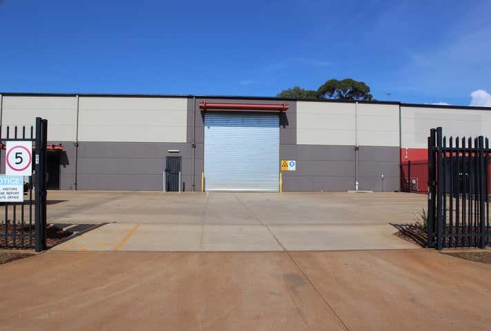 21 Markelee Street Glenvale QLD 4350 - Image 1