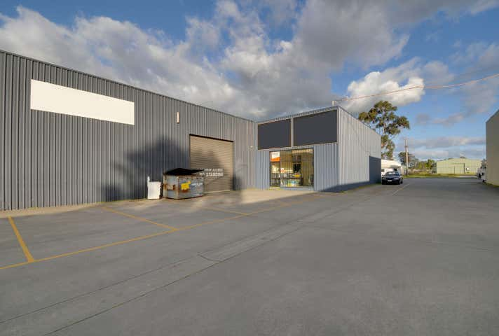 2/13-15 Standing Drive Traralgon VIC 3844 - Image 1