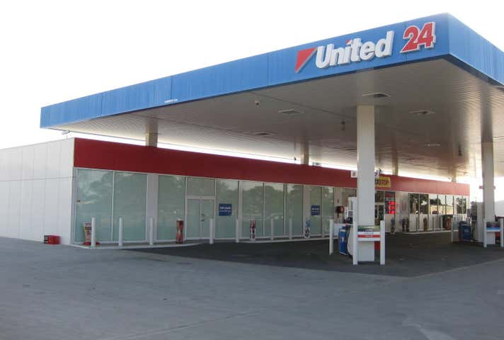 United Petroleum - Murray Bridge, 153-157 Adelaide Road Murray Bridge SA 5253 - Image 1