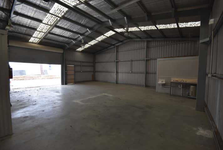 2/958 Carcoola Street North Albury NSW 2640 - Image 1