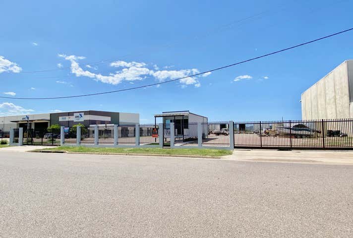 111-113 Crocodile Crescent Mount St John QLD 4818 - Image 1