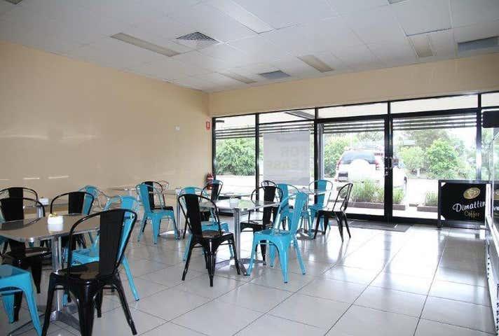 Airport Service Centre, 3/3 William Dean Avenue Urangan QLD 4655 - Image 1