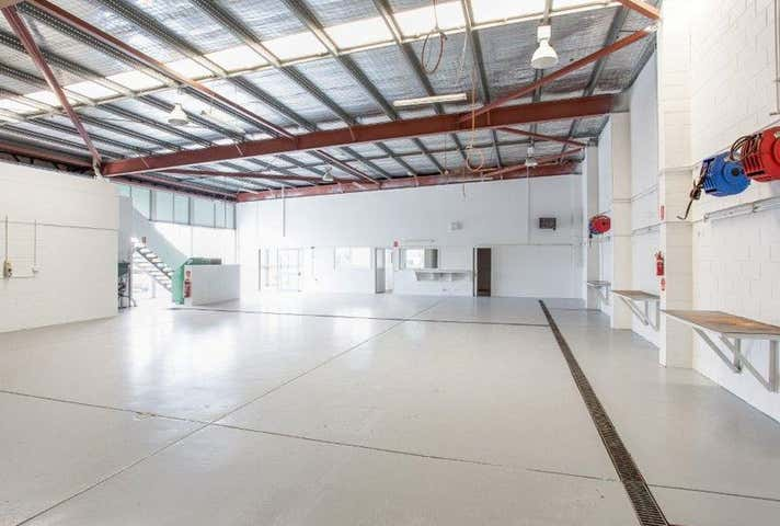 1/5 Central Court Hillcrest QLD 4118 - Image 1