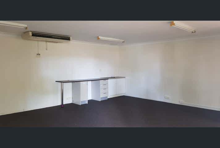 4 and 5 , 99 Musgrave ST Berserker QLD 4701 - Image 1