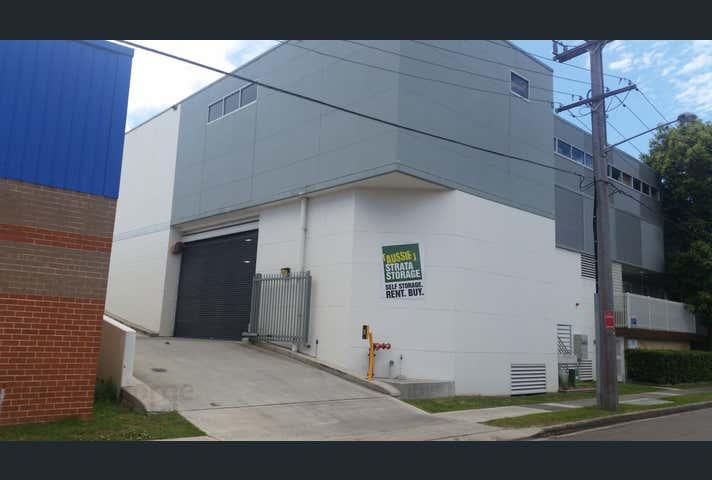 31/4-8 Waine Street Freshwater NSW 2096 - Image 1