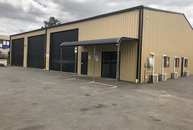 Whole property, 10 Foster Street Queanbeyan NSW 2620 - Image 1