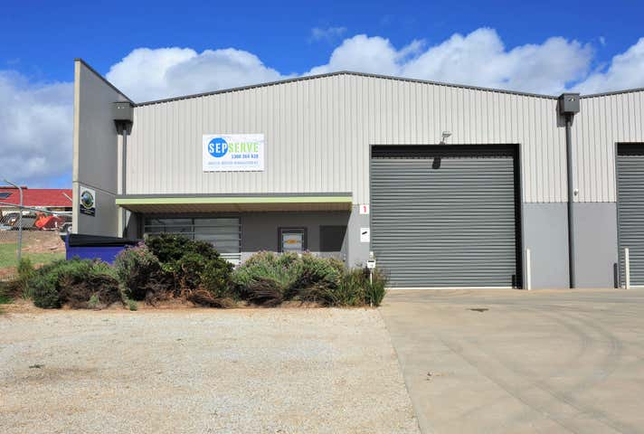 1/18 Matchett Drive East Bendigo VIC 3550 - Image 1