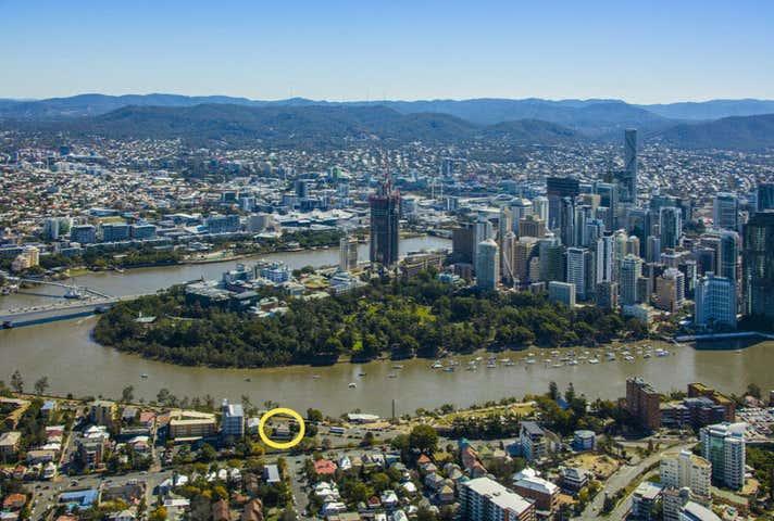 44 River Terrace Kangaroo Point QLD 4169 - Image 1