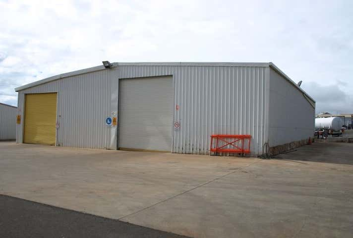 2/78 Carrington Road Torrington QLD 4350 - Image 1