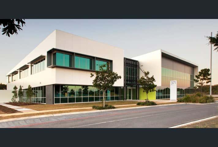2.7, 371 MacArthur Avenue, Hamilton, 2.7, 371 Macarthur Avenue Hamilton QLD 4007 - Image 1